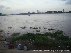 mekong river in phnom penh